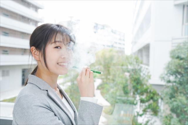 室内で吸っても気にならない!?電子タバコのメリットと選び方をご紹介!